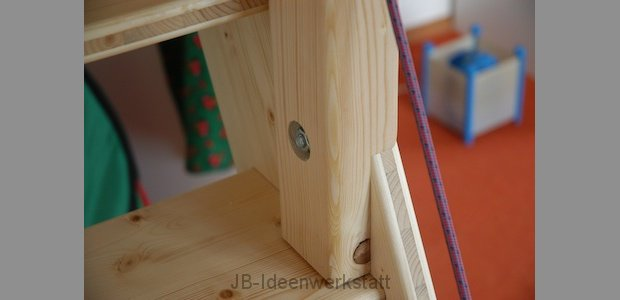montage-treppe-holzdetail