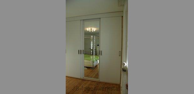 schlafzimmer-verdeckter-spiegel